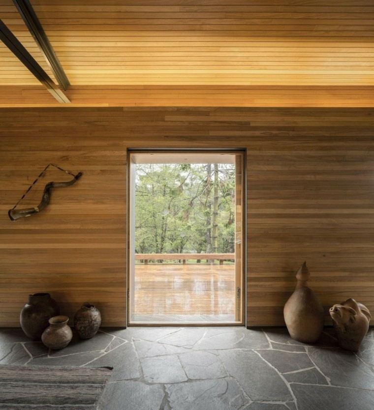 interior casa todo laminado madera