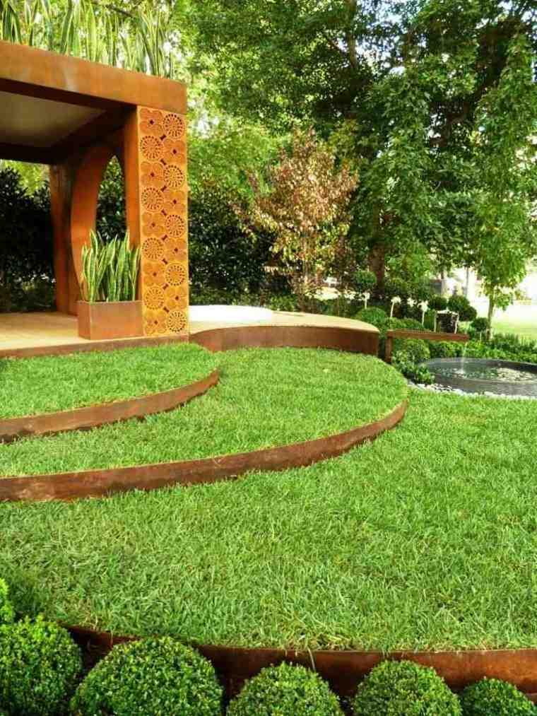jardin amplio cesped escaleras divididas acero ideas