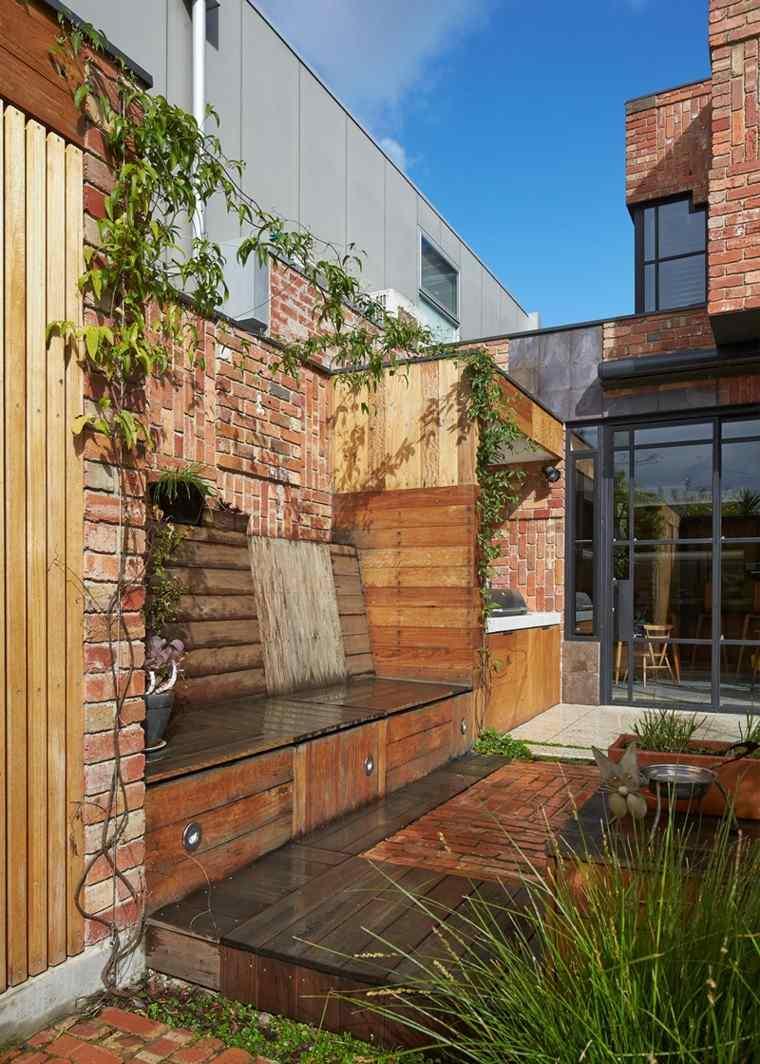 jardin bancos madera pared ladrillo ideas