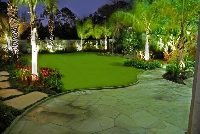 jardin bonito foto noche césped