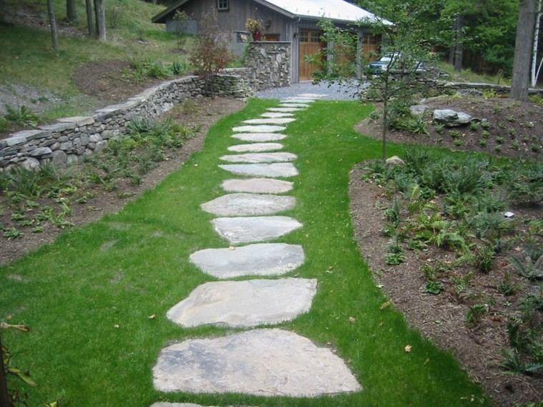 jardin cesped camino piedra muralla ideas