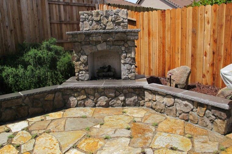 jardin chimenea piedras preciosa valla madera moderna