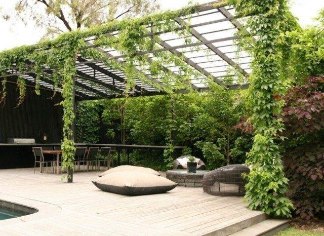 jardin cubierto pergola enorme plantas