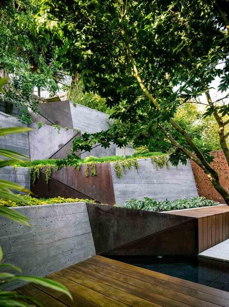 Jardin en pendientes ideas que beder as considerar - Estanque terraza piso ...