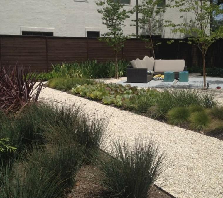 jardin guijarros camino muebles lugar descanso ideas