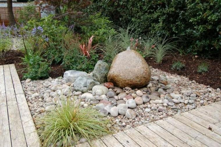 jardin guijarros grandes pequenos camino madera ideas