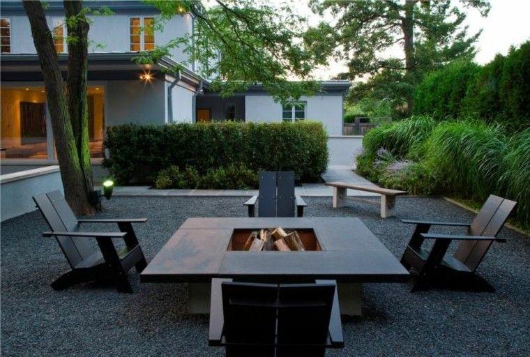 jardin guijarros muebles teca negros lugar fuego ideas