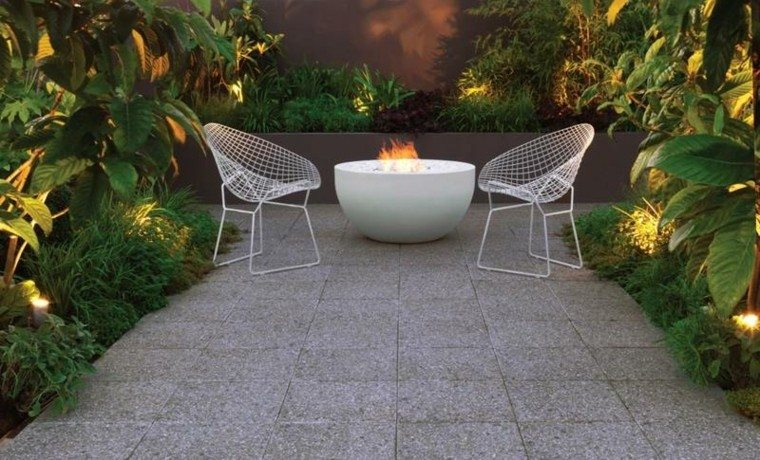jardin lugar fuego ideas perfectas silla blancas