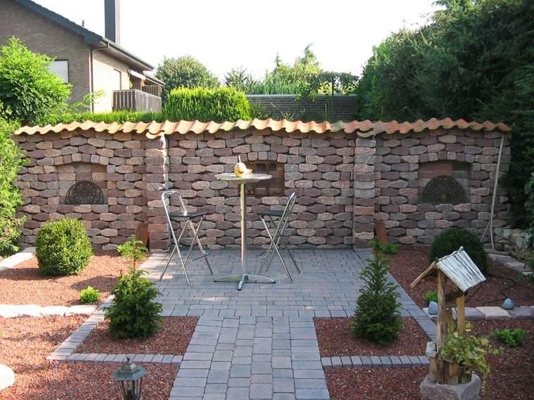 jardin muro alto mesa sillas estilo minimalista ideas