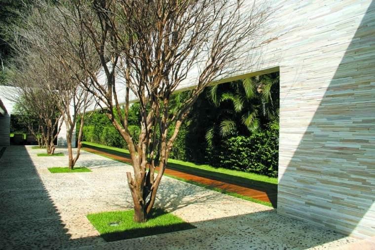 jardin paredes revestimiento azul