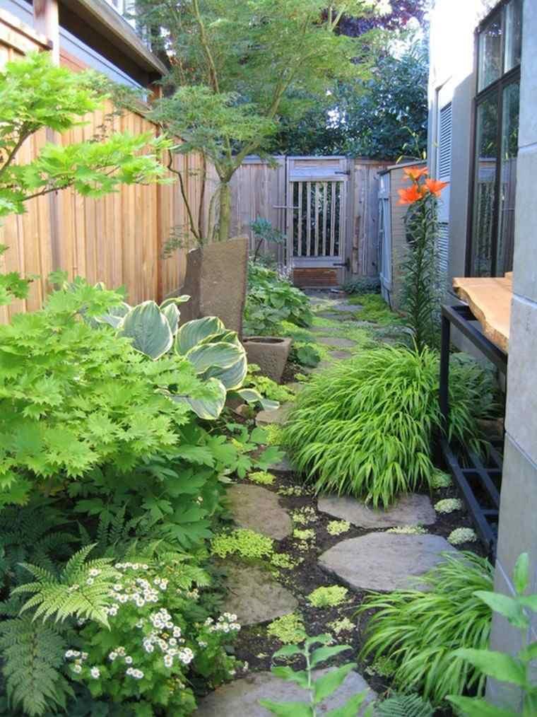 jardin pequeno camino valla puerta madera ideas