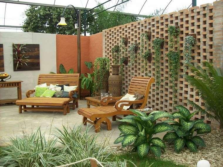 jardin pequeno muebles madera plantas ideas modernas with como arreglar un jardin pequeo