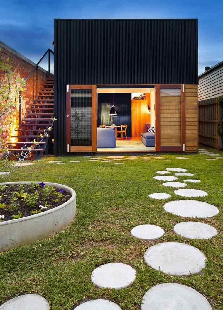 jardin sendero circular rocas acogedor