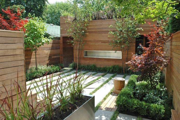 jardin trasero pequeno vallas altas madera ideas