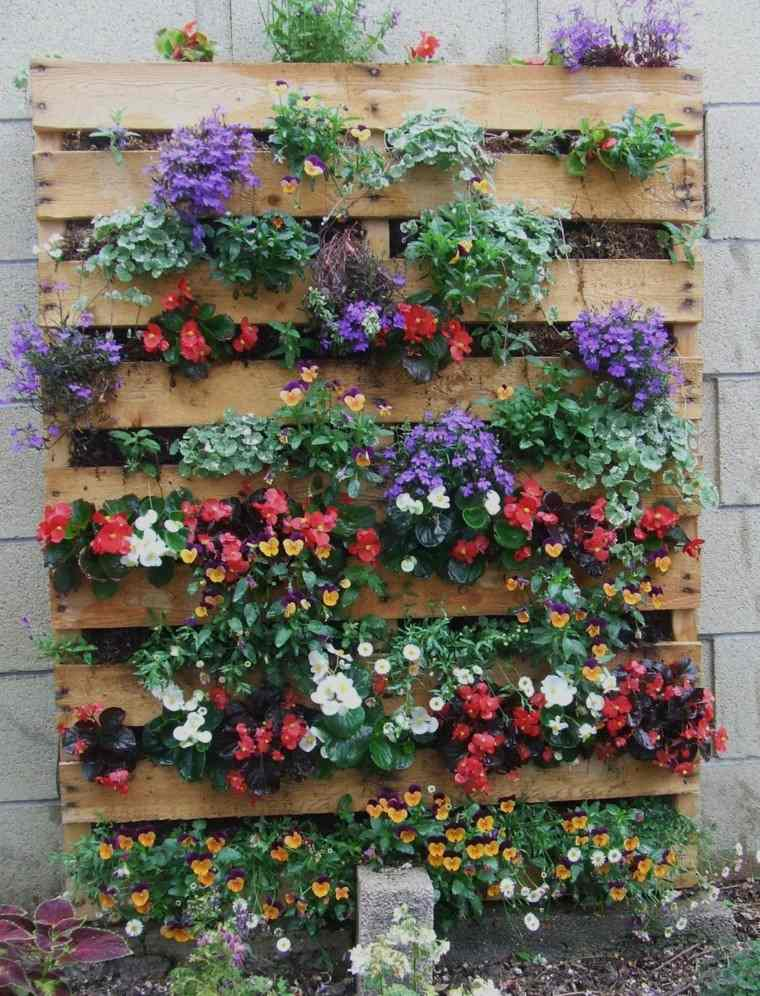 decoración con palets jardin vertical plantas colores ideas bonitas