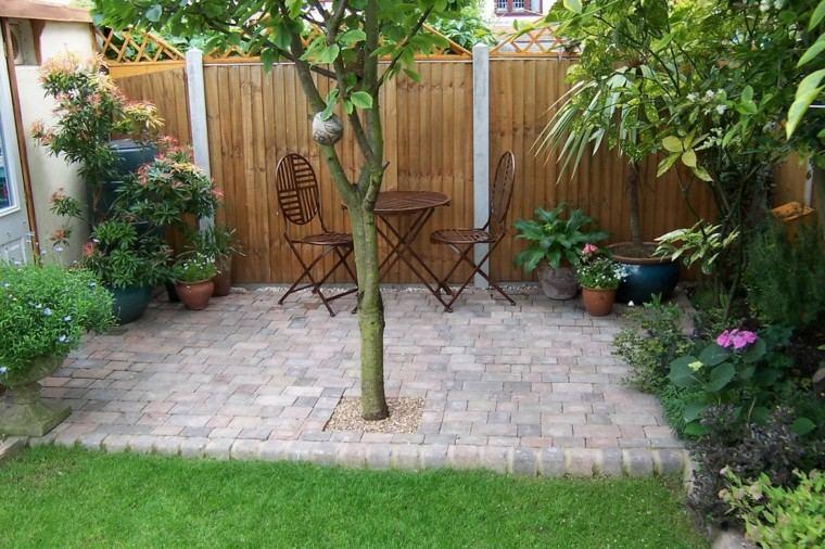 jardines pequeños muebles cafe arbol