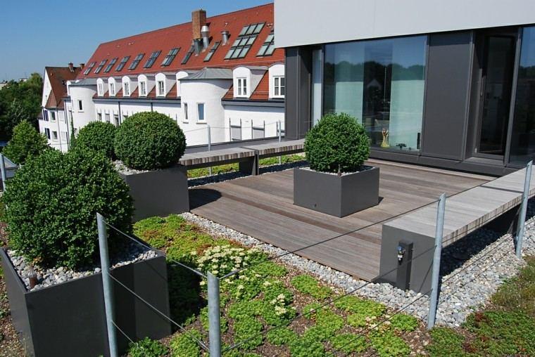jardines y terrazas estilo minimalista suelo madera macetas ideas