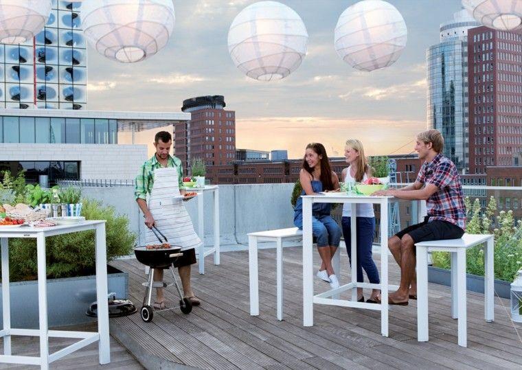 jardines y terrazas mesa sillas altas blancas barbacoa ideas