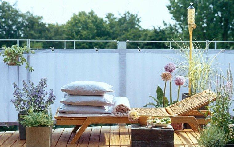 jardines y terrazas tumbona madera macetas decorativas ideas