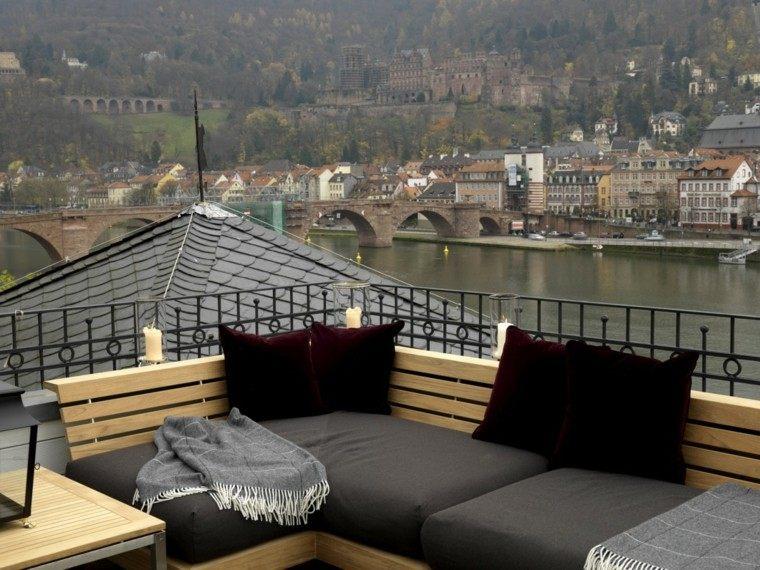 jardines y terrazas vistas preciosas ciudad muebles cojines negros ideas