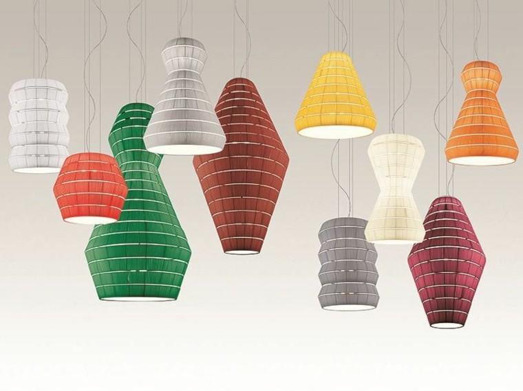 lamparas colgando techo varias formas colores ideas