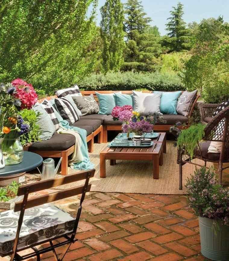 las terrazas ideas patio acogedor flores