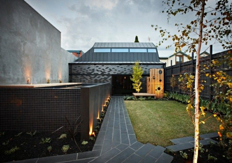 luces led patio muro cesped jardin
