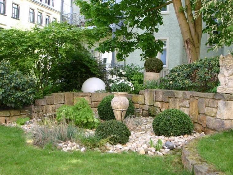lugar piedras rodeado cesped ideas muros helechos bonito