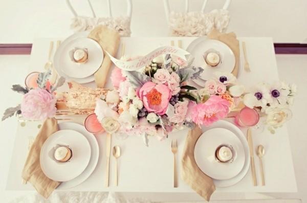mesa color beige estilo shabby