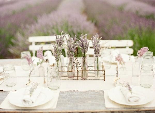 mesa campo decorada lavanda