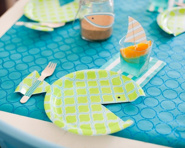 mesa infantil mar peces platos
