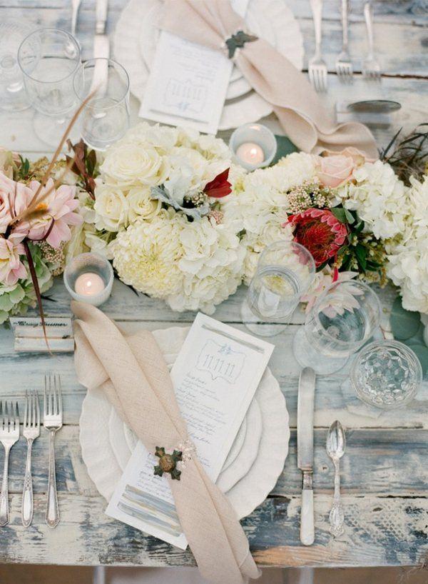mesa estilo shabby chic muchas flores