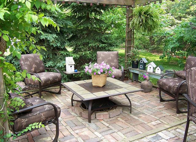 mesilla cafe diseño jardin plazoleta
