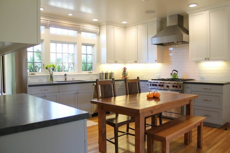 Blanco y madera cincuenta ideas para decorar tu cocina for Maderas para cocinas