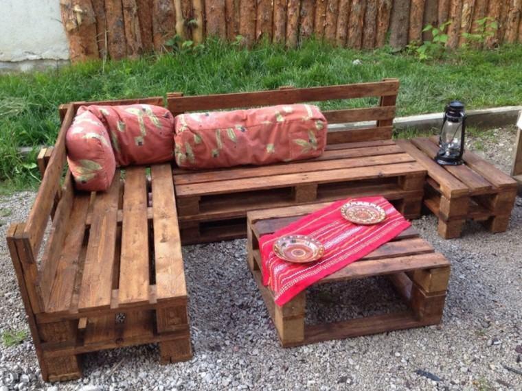 Muebles hechos con palets 100 ideas para el hogar - Hacer sillones con palets ...