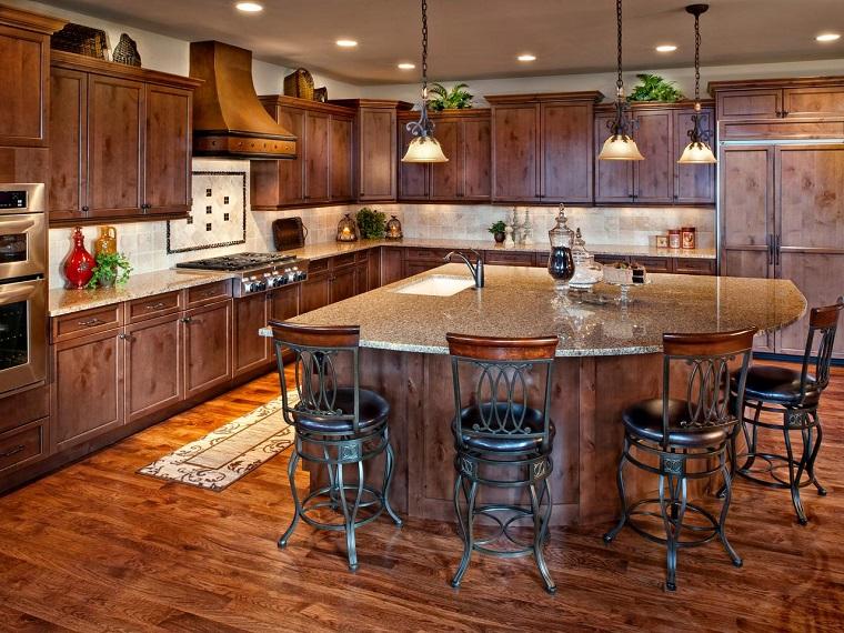 Muebles vintage en la cocina ideas a lo cl sico muy - Sillas altas de cocina ...