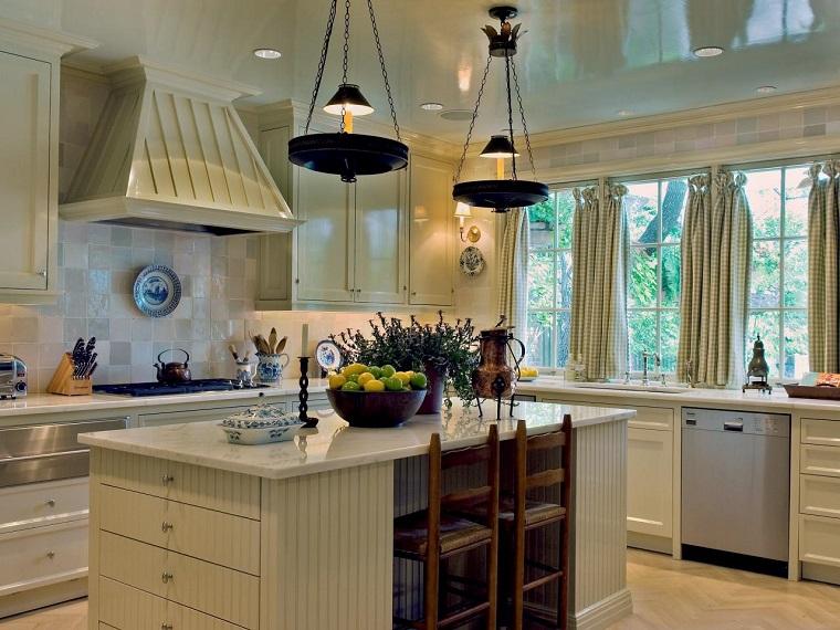muebles vintage cocina isla candelabros colgando techo ideas
