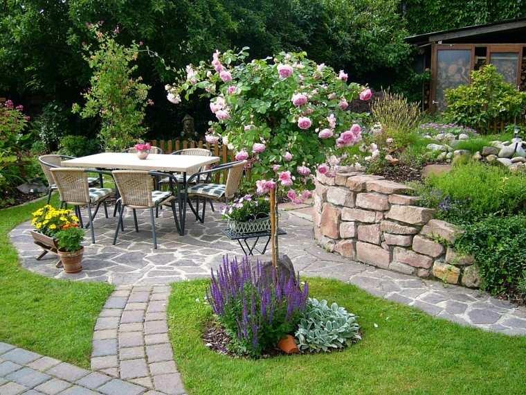 muros jardin espacio precioso comidas rosal cesped ideas