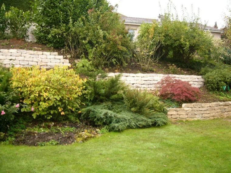muros jardin plantas cesped naturalidad ideas