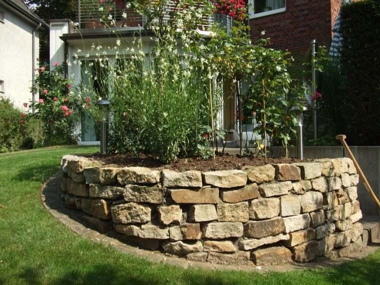 muros pequenos jardin piedras grandes cesped ideas