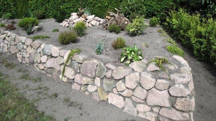 muros piedras grandes arena jardin ideas bonitas