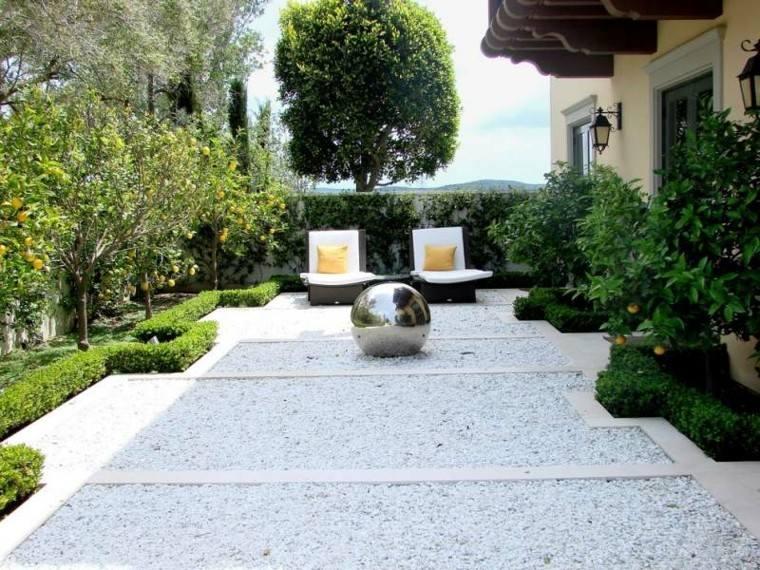 paisajes bonitos jardin guijarros bola grande acero ideas
