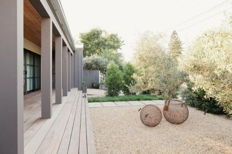 paisajes bonitos jardin guijarros bolas decorativas ideas