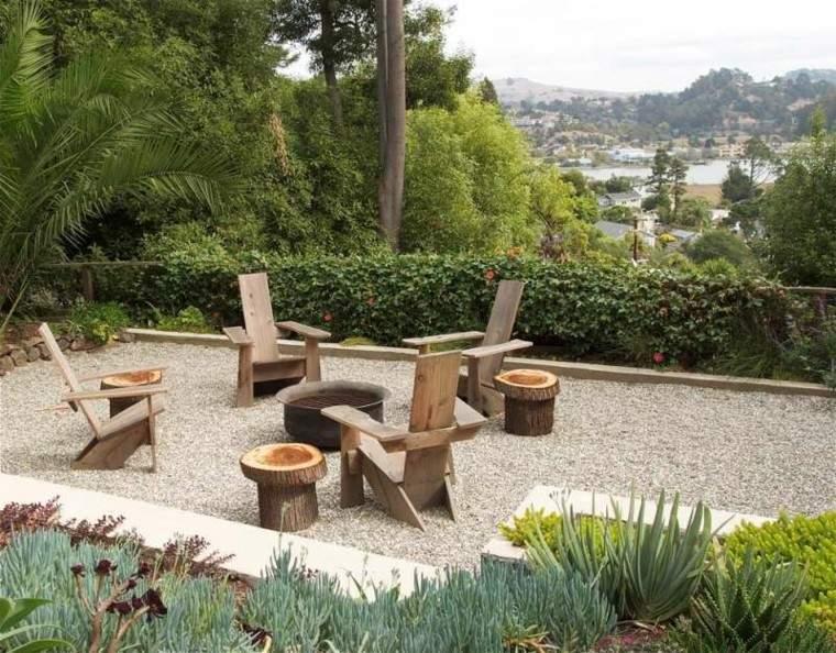 paisajes bonitos jardin guijarros lugar fuego muebles madera ideas