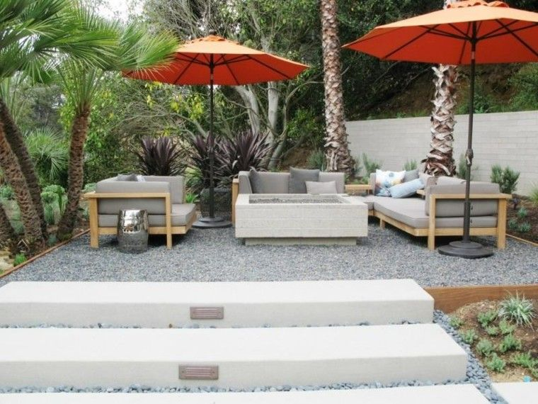 paisajes bonitos jardin sombrillas muebles madera ideas