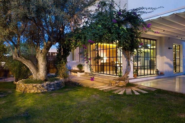 paisajismo jardin arboles porche toldo