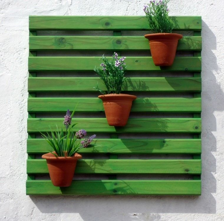 decoracin con palets color verde llamativo colgado pared ideas