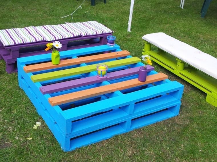decoración con palets muebles jardin colores vibrantes alegres ideas
