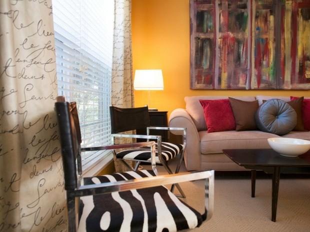 pared color amarillo anaranjado intenso
