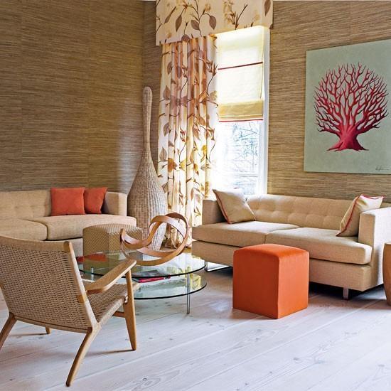 pared silla madera marron claro naranja muebles ideas
